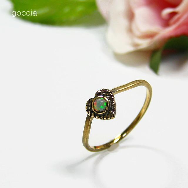 オパールの指輪