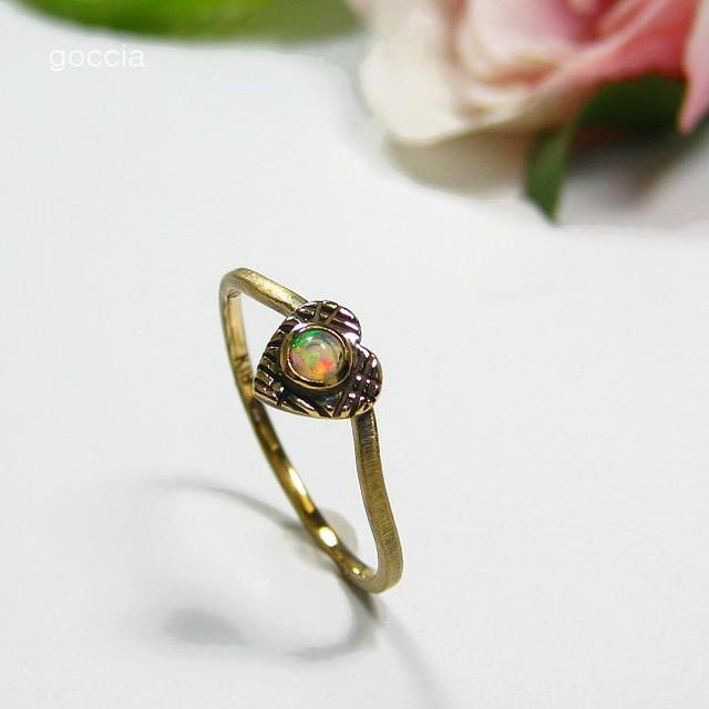 オパールの指輪・ハートデザイン