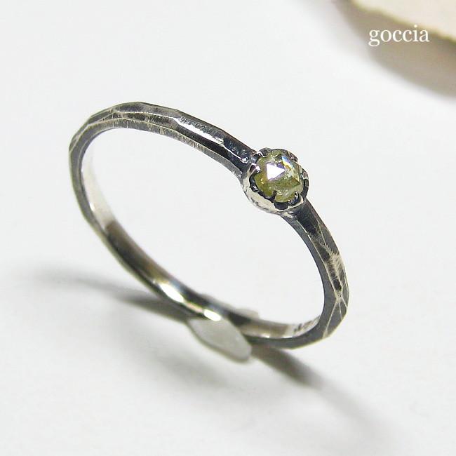 シルバー925のローズカットダイヤのリングです。